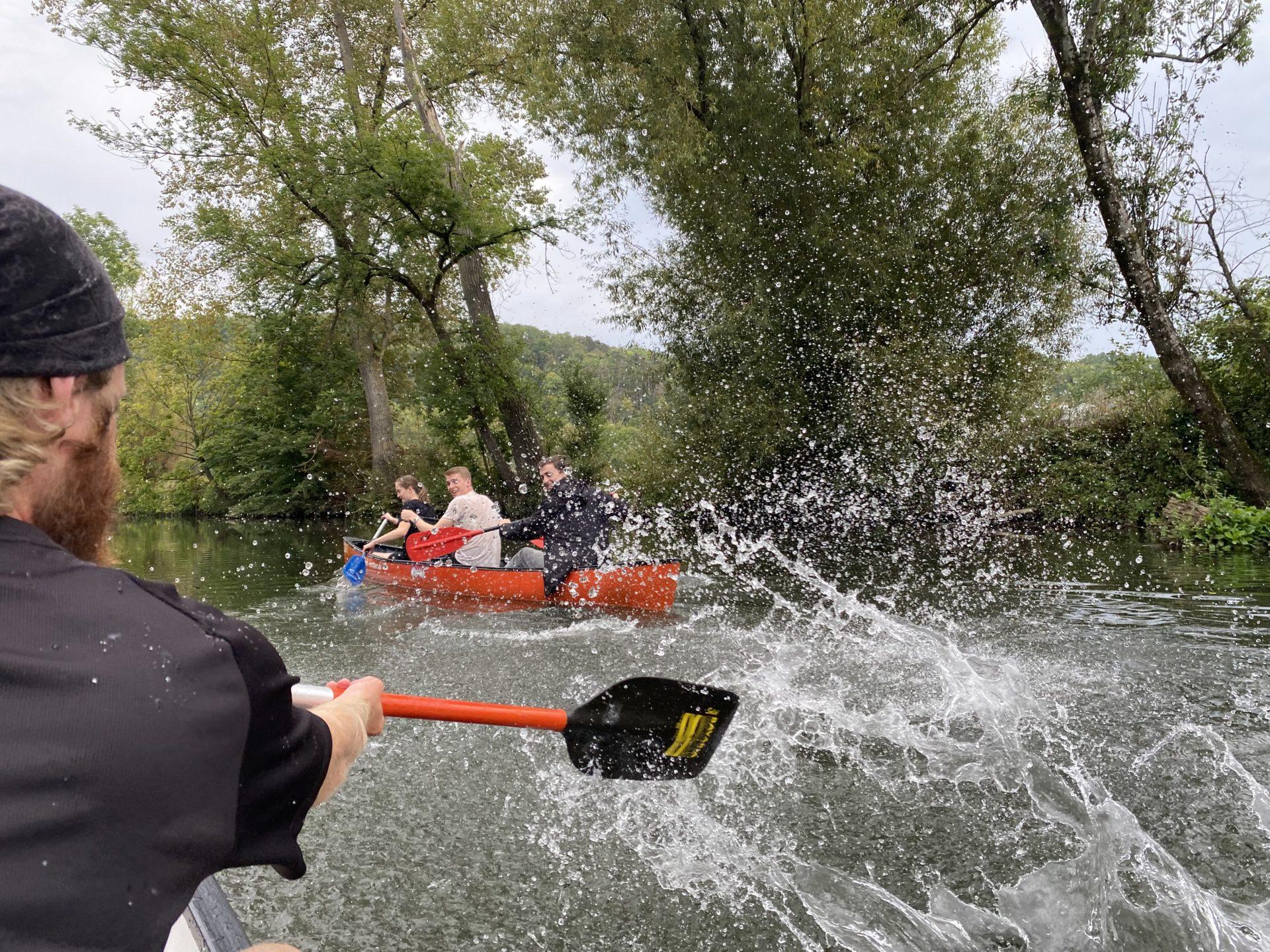 KJBler beim Kanu fahren