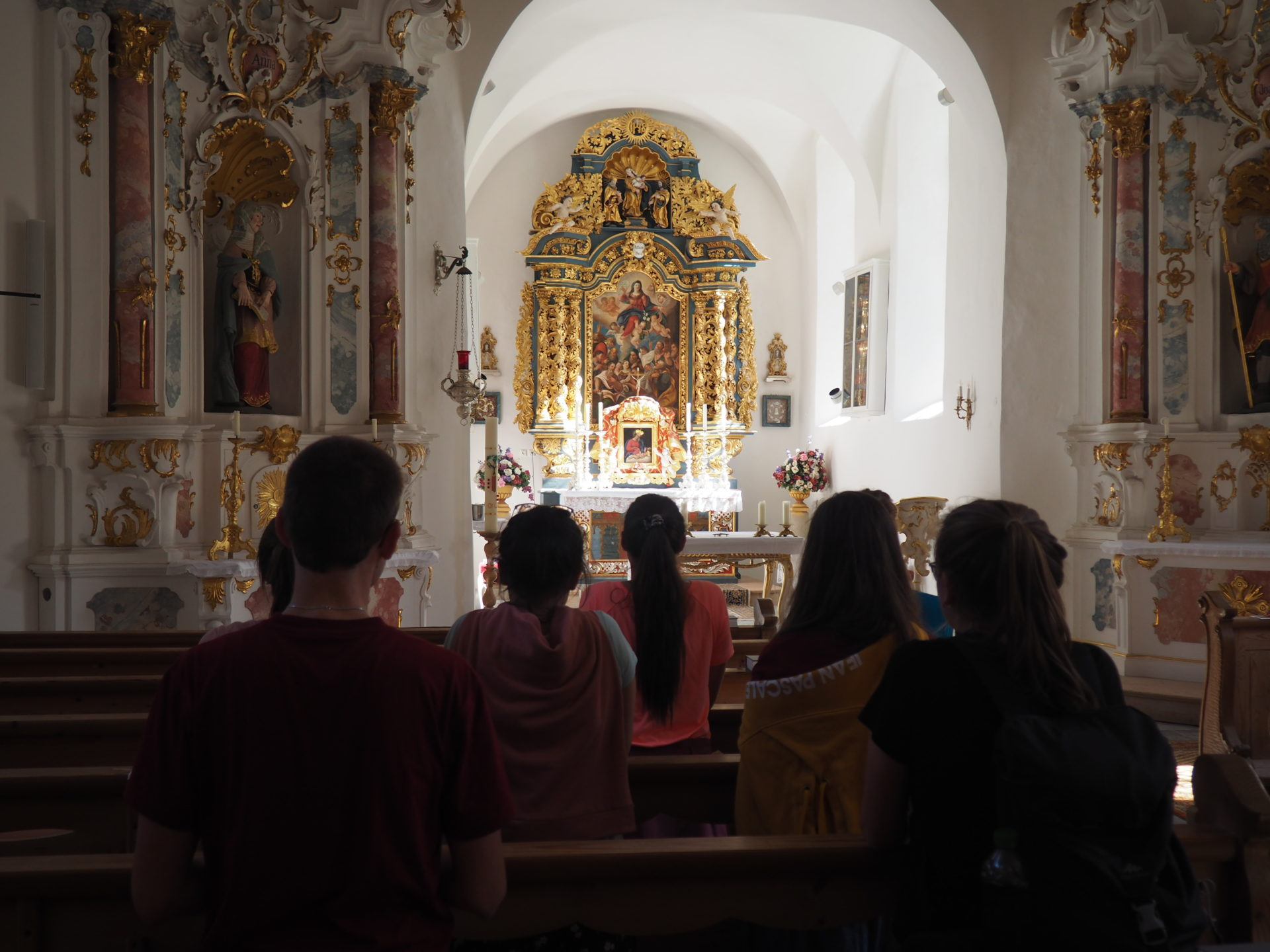 KJBler in der Kirche